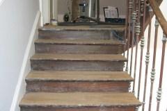 1_escalier-ancien-avant-poncage-et-vitrification